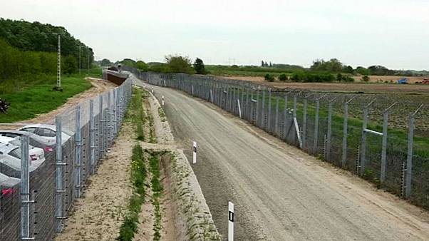 Hungarian TV claims socialist MEP Ujhelyi pledged to dismantle border fence
