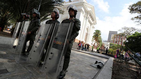 El chavismo desafora y acusa de traición a la patria a siete diputados