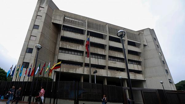 Des partisans de Juan Guaido attaqués en justice, levée d'immunité parlementaire pour 7 députés