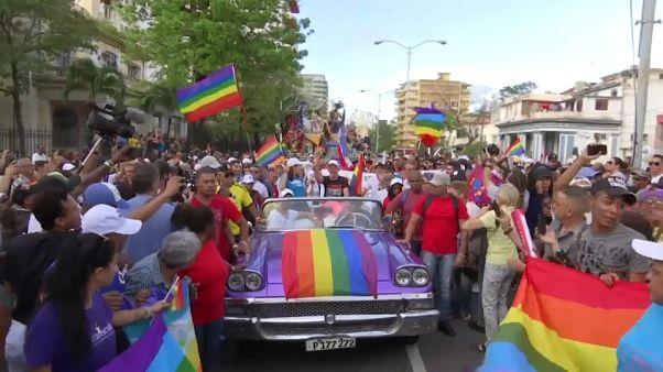 Cuba suspende el desfile del orgullo gay