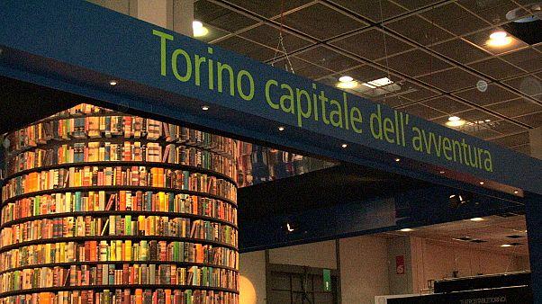 """""""Fasiszta"""" kiadó miatt bojkottálják a torinói könyvvásárt"""