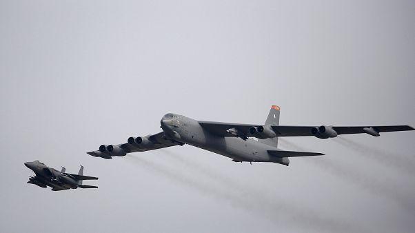 ABD, tehdit olarak gördüğü İran'a karşı bölgeye B-52 bombardıman uçakları gönderecek
