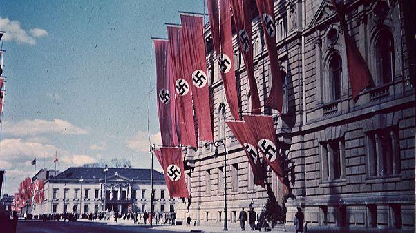 """هكذا سعت الدعاية النازية لتقديم هتلر """"كحام"""" للإسلام والمسلمين"""
