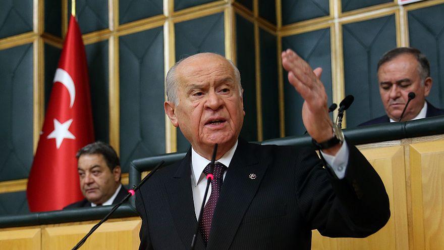 Devlet Bahçeli: Abdullah Gül AKP'ye vefasızlık yapıyor