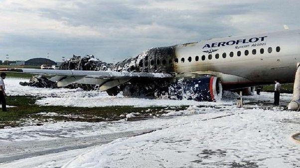 Video: Havada alev alan Rus uçağın içinden kaza anına ait görüntüler