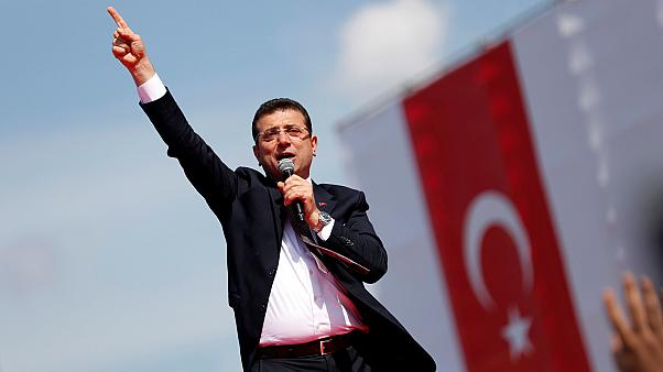 Ekrem İmamoğlu, leváltott isztambuli polgármester