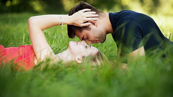 دراسة: البريطانيون يمارسون الجنس بمعدّلات أقل من السابق