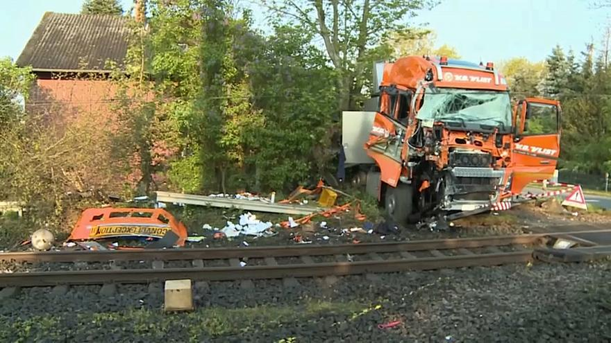 الحادث ادى إلى انحراف القطار عن مساره