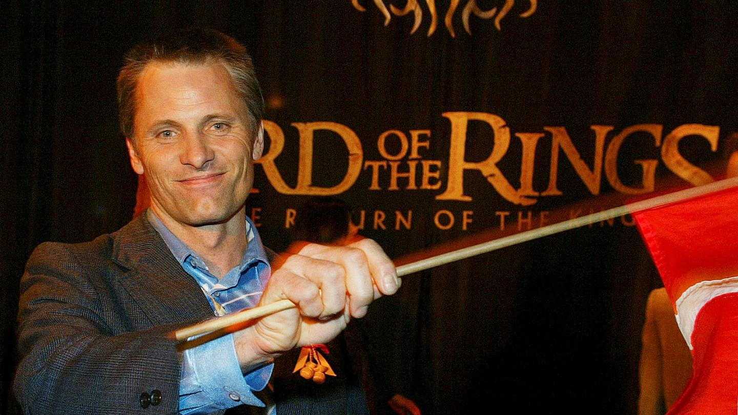 Ridiculous And Absurd Lord Of The Rings Star Viggo Mortensen