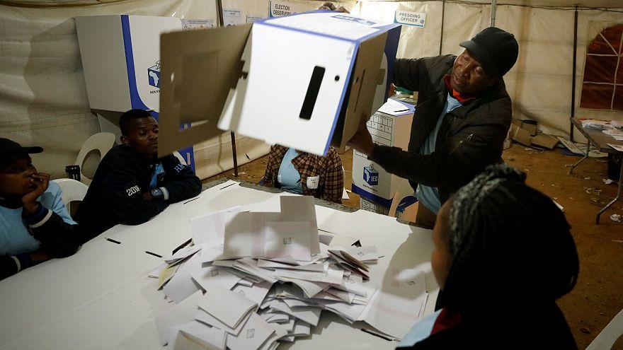 Парламентские выборы в ЮАР: лидирует партия президента