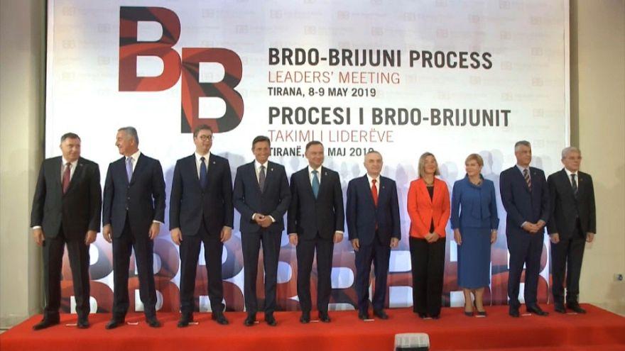 Balcani: tensioni a Tirana durante il vertice regionale