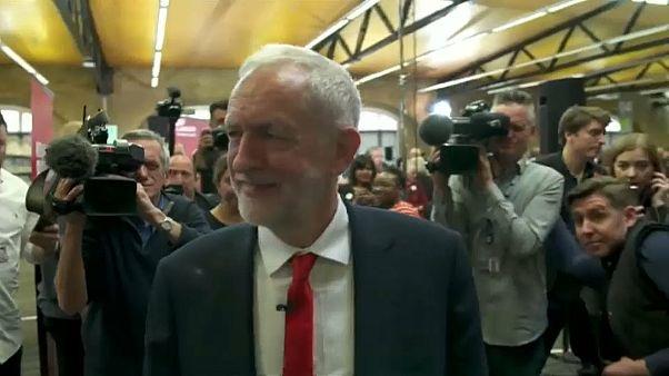 """Corbyn: """"Su Brexit governo nel caos"""""""