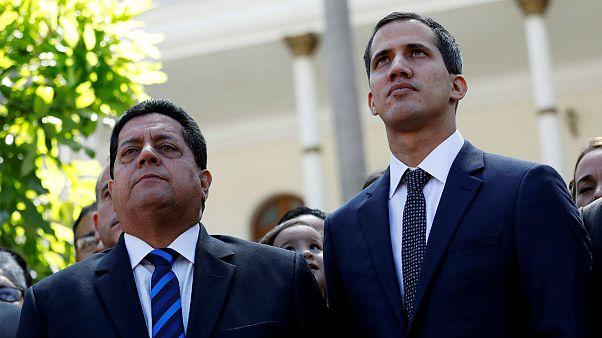 ماموران امنیتی ونزوئلا معاون گوایدو و خودرواش را با جرثقیل با خود بردند