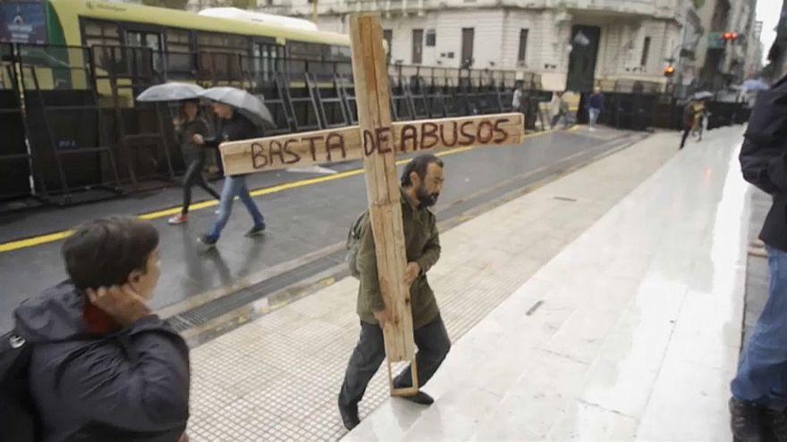 Papst ordnet Meldepflicht für Missbrauch an