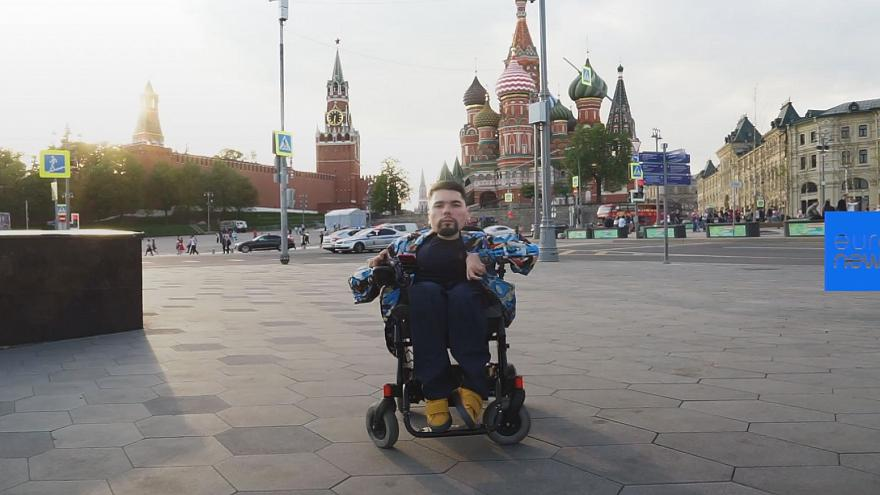 Stalingulag: The disabled man who defied expectations to write Russia's most-read political blog