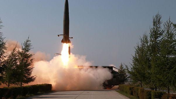 بيونغ يانغ تطلق صاروخين قصيري المدى في تصعيد جديد للتوتر مع الولايات المتحدة