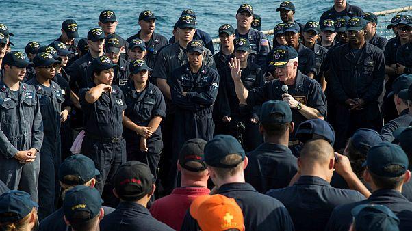 آمریکا اعزام ناو هواپیمابر به تنگه هرمز را در دست بررسی دارد