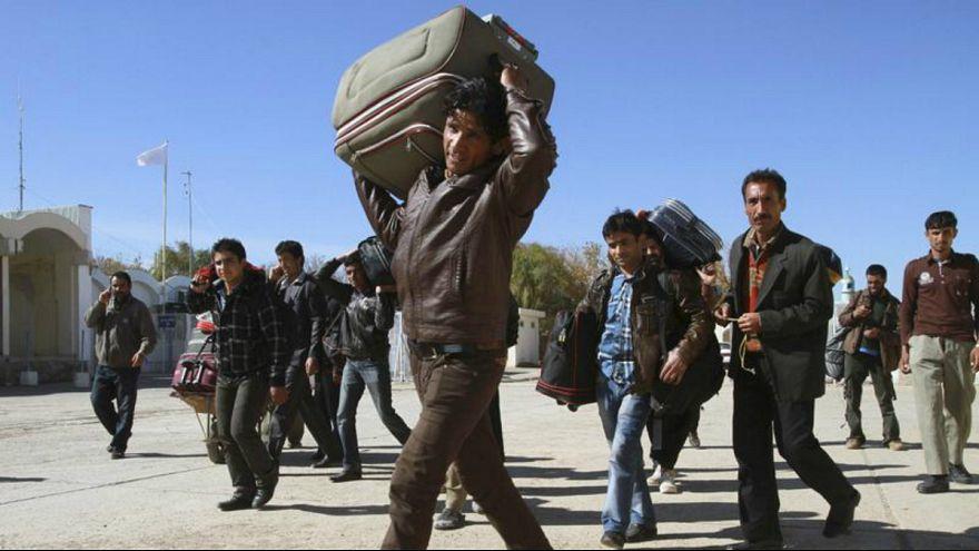 واکنش کابل به سخنان عراقچی: رفتار ایران با مهاجران افغانستان مسئولانه باشد