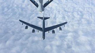 بمبافکنهای بی-۵۲ آمریکا در پایگاه العدید قطر به زمین نشستند