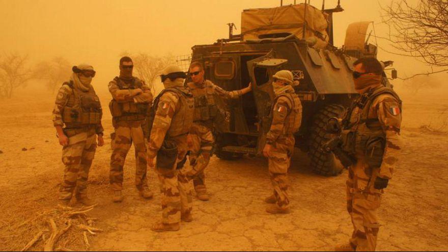دو نظامی فرانسوی در عملیات آزادسازی گروگان ها در ساحل آفریقا کشته شدند