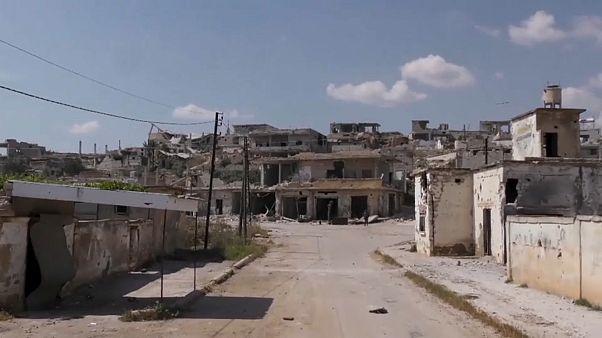 شاهد: المعارضة تستهدف شاحنة حكومية بقذائف والقتال يستعر شمال غرب سوريا