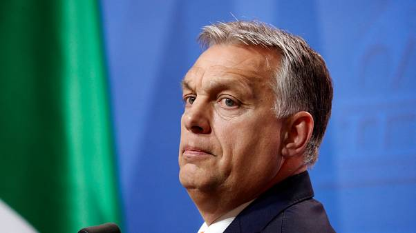 Eldőlt: nem lesz vita Timmermans és Orbán között