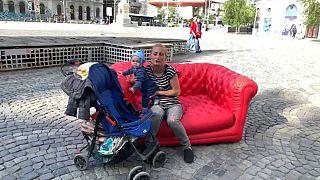 مبل قرمز یورونیوز در رومانی؛ از مشکل مهاجرت تا «سیلیکون ولی» اروپا