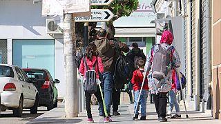 اليونان تشدد سياستها تجاه اللجوء وتعيد 82 لاجئاً تركياً إلى أنقرة