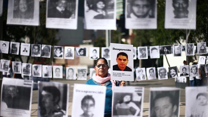 """Marcha pelos filhos """"desaparecidos"""" no dia da mãe"""
