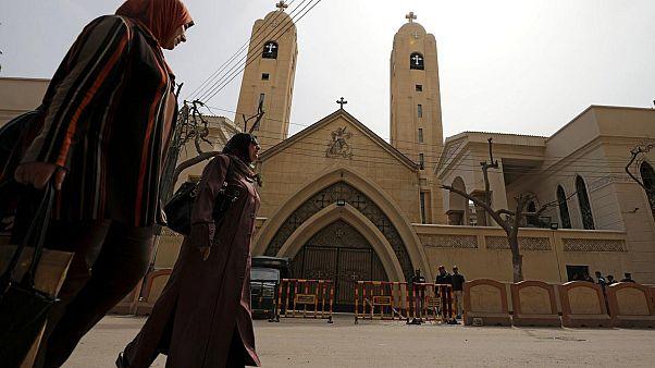 Mısır'da Kıpti rahipten kadınlara teşhir uyarısı: Açık saçık kıyafetlerle gelmeyin