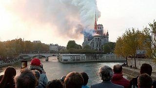 Yangında büyük zarar gören Notre Dame Katedrali'nin 5 yılda yapılmasını öngören yasa tasarısına onay