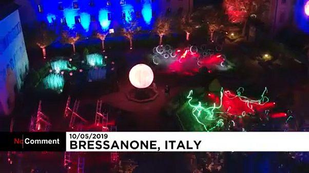 ویدئو؛ شهر بریکسن ایتالیا غرق نور شد