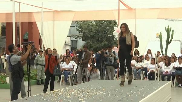 Fashion show for Mother's Day in Peru prison