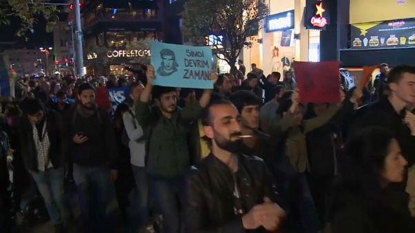 Cientos de personas se manifiestan contra la repetición de las elecciones en Estambul