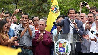 Venezuela'da muhalif lider Guaido'dan ABD ordusu ile iş birliği talimatı