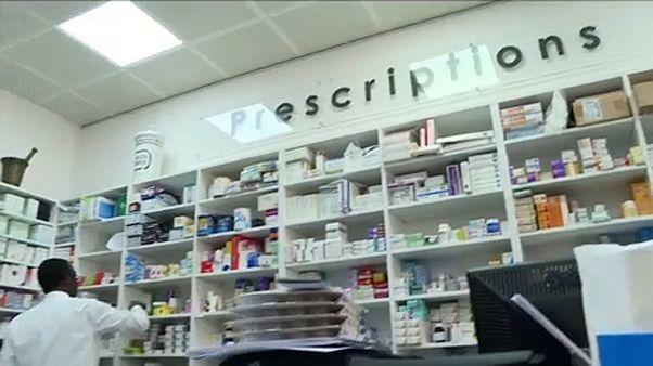 Empresas farmacêuticas processadas nos Estados Unidos