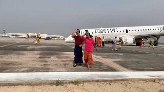 Haarsträubende Bauchlandung für 82 Passagiere