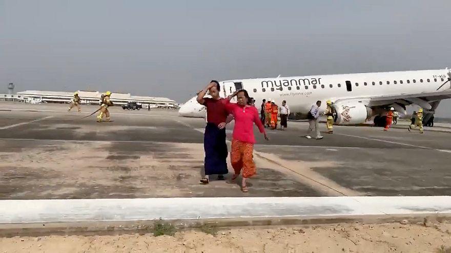 Video | İniş takımları açılmayan uçak burnunun üstüne piste indi
