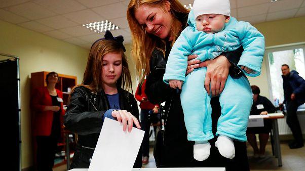 Los lituanos votan para elegir a su próximo presidente