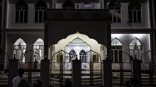 الوهابية في سريلانكا تحت المجهر بعد اعتقال داعية درس في السعودية على صلة بالتفجيرات الأخيرة