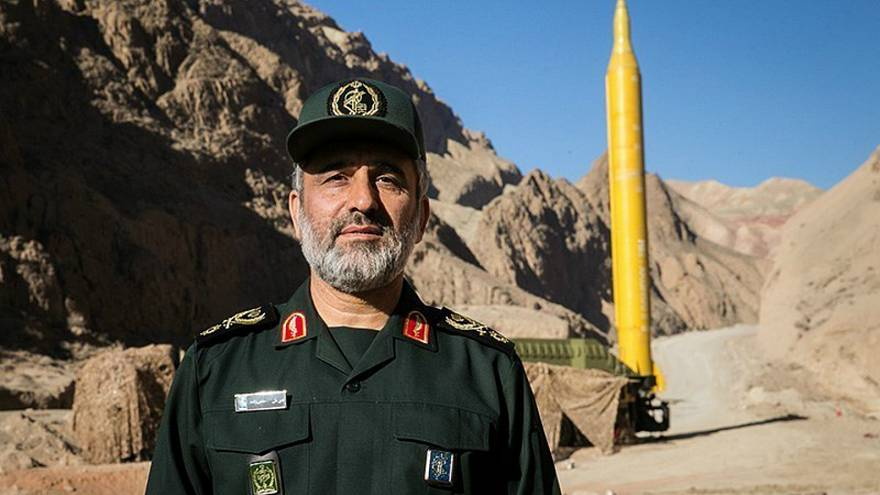 قائد بالحرس الثوري الإيراني: إذا أقدمت أمريكا على خطوة فسنوجه لها ضربة في الرأس
