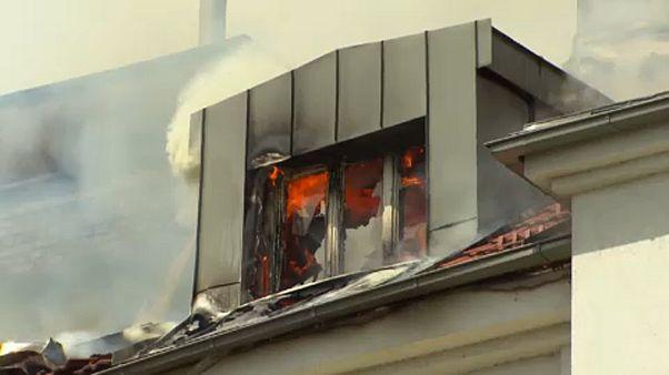 Kigyulladt egy lakótömb Bécsben