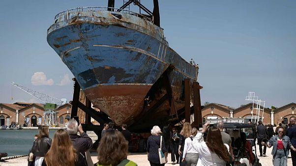 Биеннале в Венеции: климат и беженцы.
