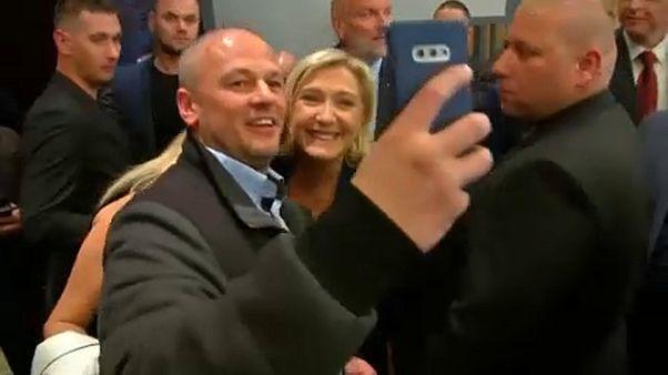 Applaus und Protest: Marine Le Pen auf Treffen in Bratislawa
