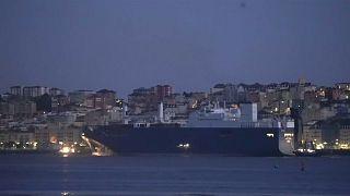 Le cargo saoudien, empêché d'atteindre Le Havre, attend dans le port de Santander