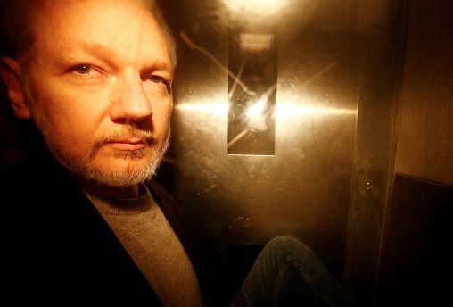 Swedish prosecutors file request for Julian Assange's arrest