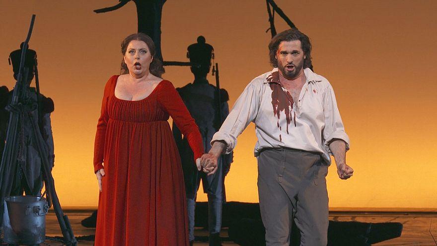 Gerçekçilik akımı ustalarından Puccini'nin 'Tosca' operası Paris'te