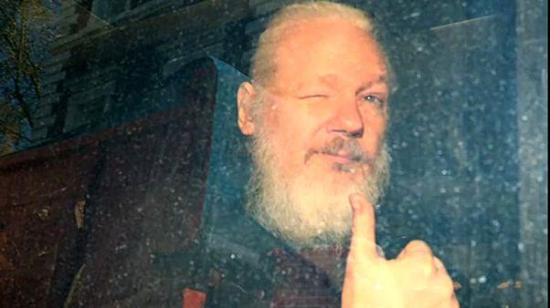 Assange: Svédország újranyitja a nemi erőszak vádja miatt indult eljárást