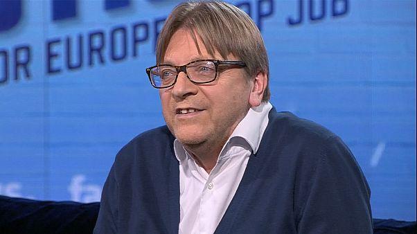Ismerje meg Guy Verhofstadtot, a liberálisok csúcsjelöltjét!