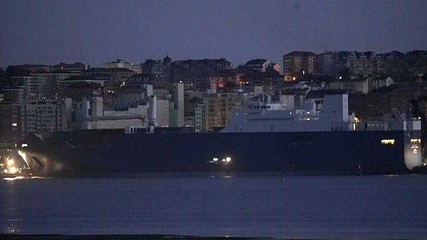 Llegó, atracó y zarpó: la misteriosa escala hispana del buque saudí Bahri-Yanbu